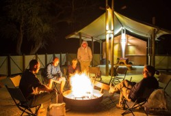 Lagerfeuer auf Campsite in Namibia