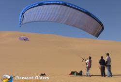 Element-Riders: Paragliding / Gleitschirmfliegen in den Dünen Namibias
