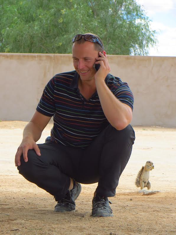 Sven Eltzschig in Namibia, Betreuung per Telefon